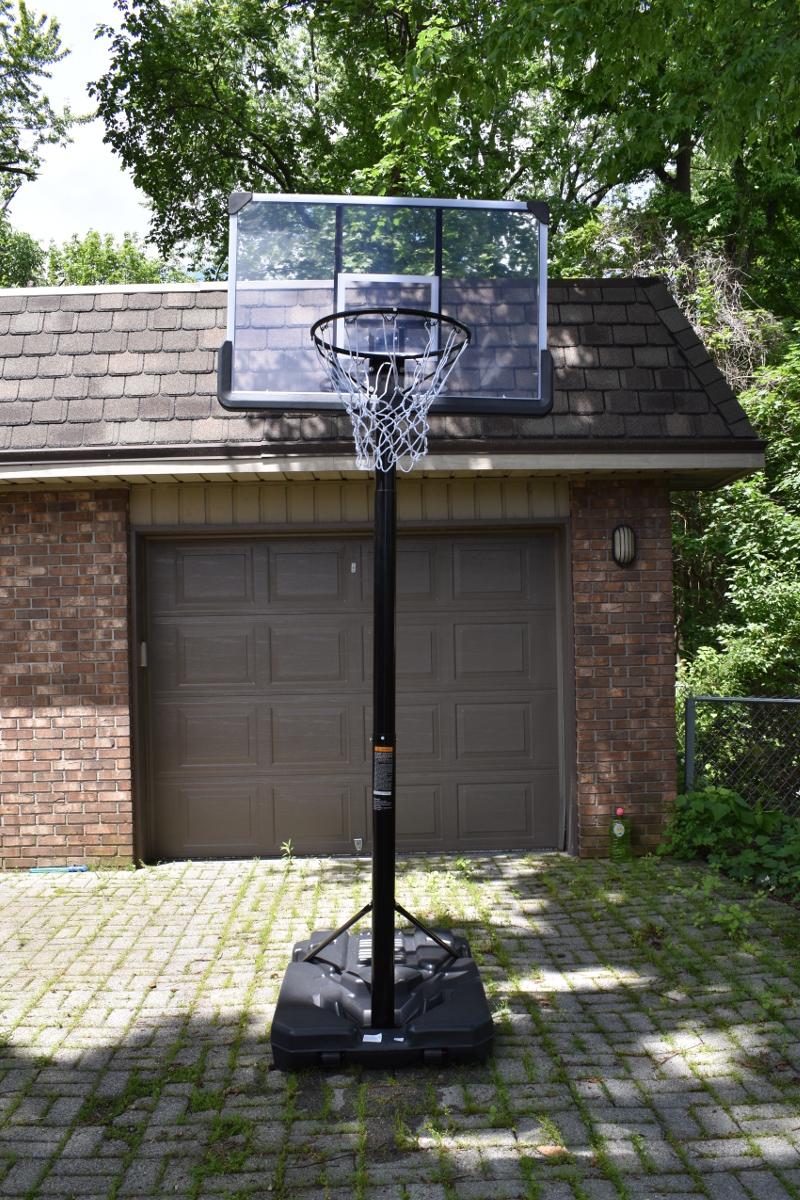 移動式バスケットボールのゴール