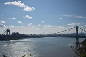 10 月 4 日、マンハッタンをハドソン川越しに
